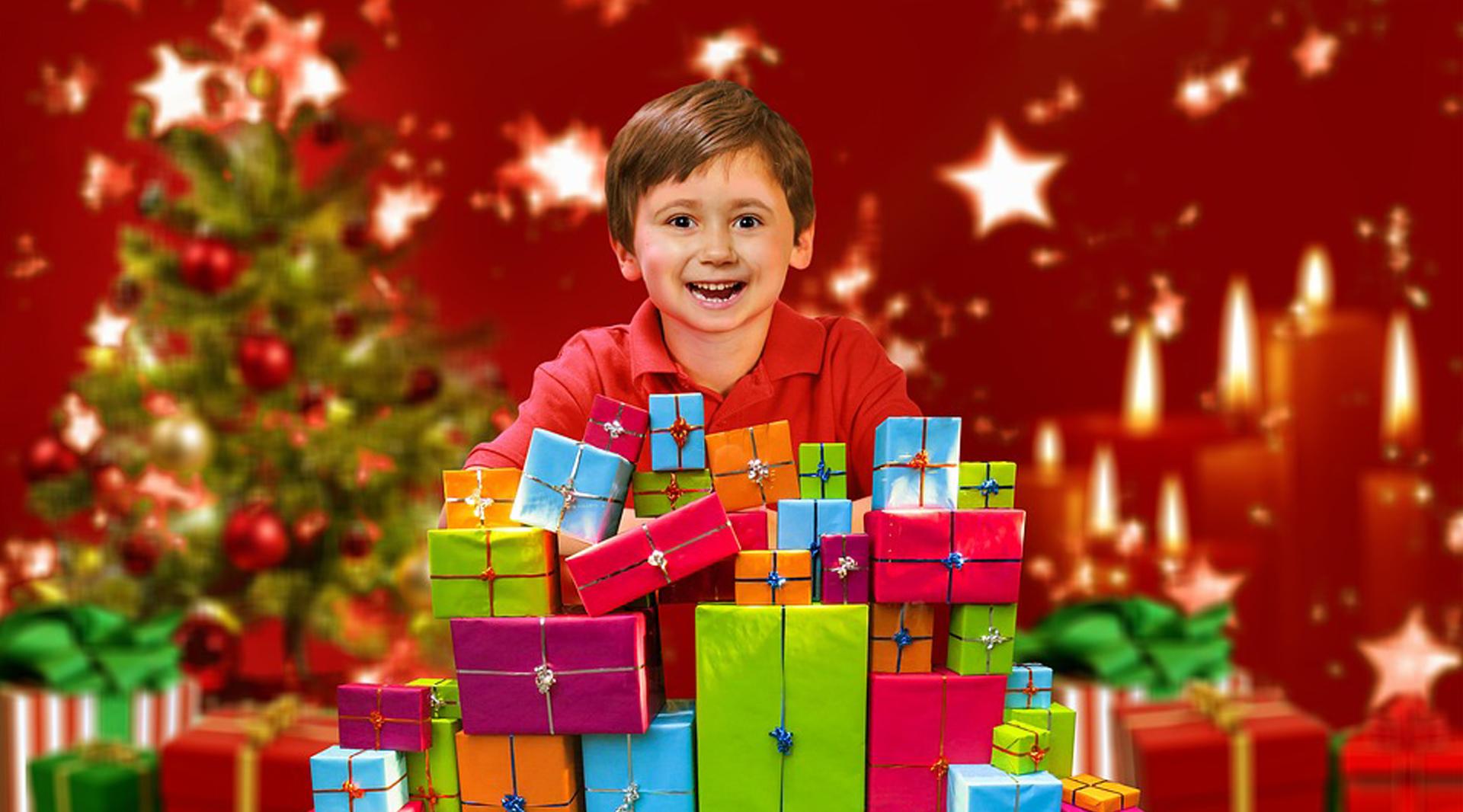Zastępujesz świętego Mikołaja? Tych prezentów nie może zabraknąć w Twoim worku!