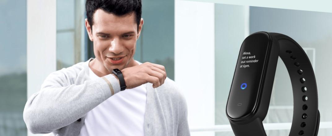 Hit ale.pl- idealny prezent na dzisiejsze czasy – Amazfit Smartband 5 z pulsoksymetrem