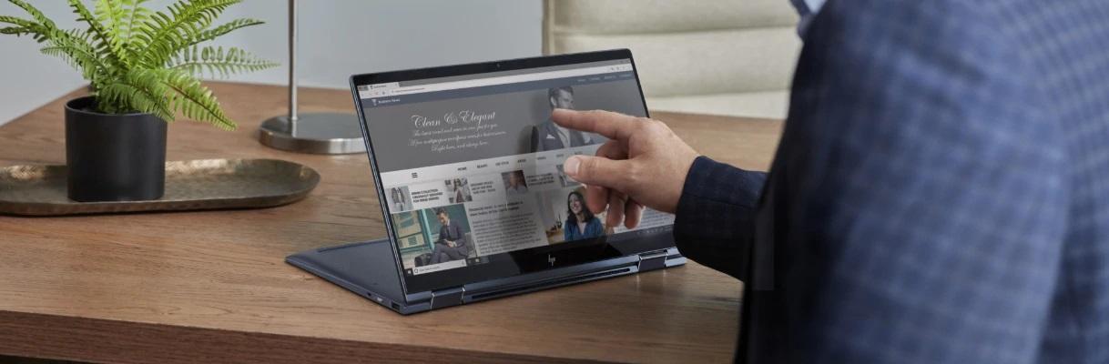 ale.pl laptop HP Dragonfly w trybie multimedialnym